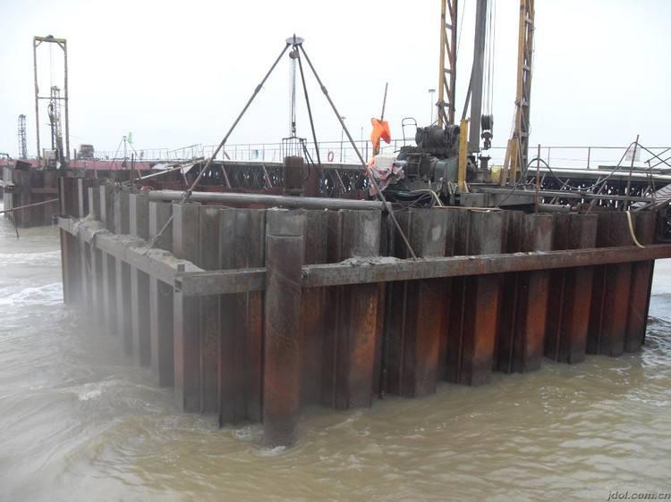 钢便桥的衔接方式及施工要求