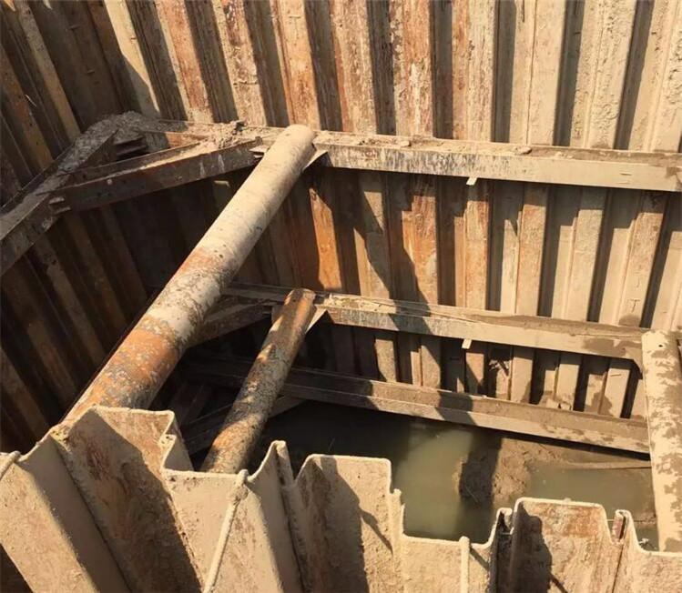 钢板桩围堰如何制作内支撑